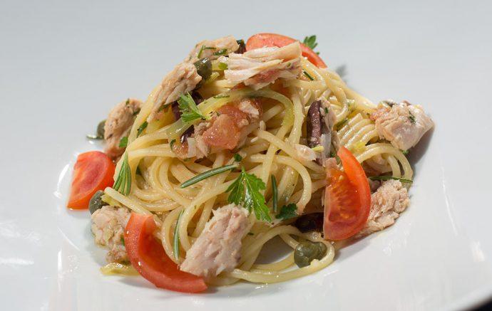 Spaghetti with tuna fish